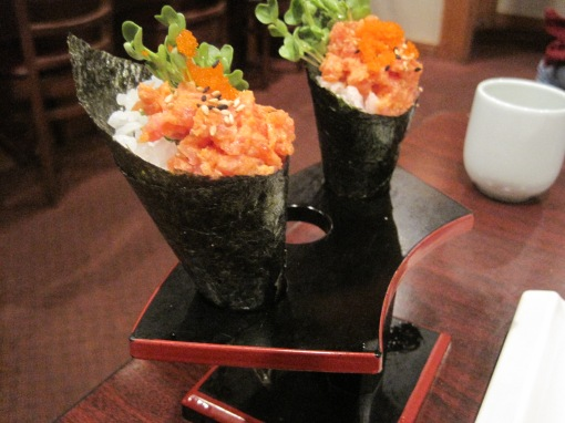 Happy Sumo can serve up a pretty temaki roll, a cone shaped sushi oft favored by the Japanese housewife.